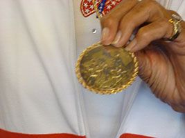 Greta Andersen with Olympic gold medal